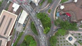 繁忙的高速公路公路交叉点在马来西亚 空中飞行去景色 4K 影视素材