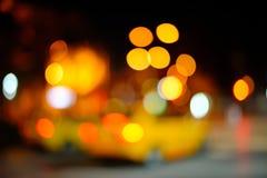 繁忙运输被弄脏的Defocused城市光在晚上 库存照片