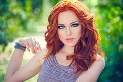 红发女孩 库存照片