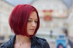 年轻红发妇女 库存照片