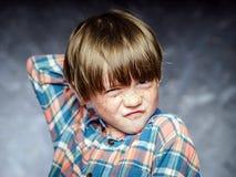 红发男孩情感画象  免版税库存照片