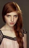 红发美丽的女孩 免版税库存照片
