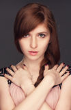 红发美丽的女孩 免版税库存图片