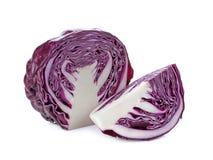 红叶卷心菜,在白色背景隔绝的紫罗兰色圆白菜 免版税库存照片