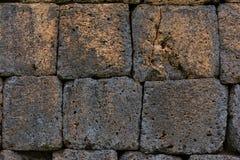 红土带墙壁,路面 免版税库存照片