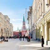 红场和Nikolskaya街道在莫斯科 免版税图库摄影