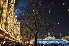 红场在莫斯科,冬天圣诞节装饰,俄罗斯 库存图片