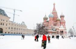 红场在暴风雪的莫斯科 免版税库存图片