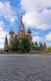 红场的StBasils大教堂在莫斯科 库存图片