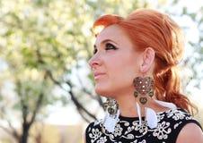 红头发人60妇女 免版税库存照片