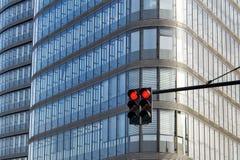 红灯和现代建筑学 免版税库存照片