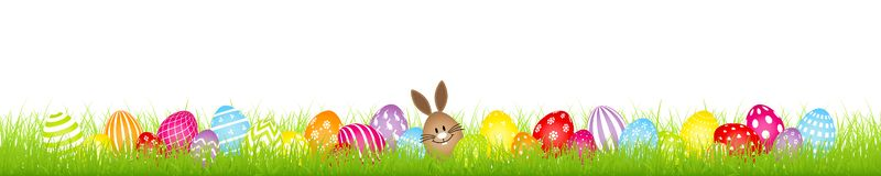红皮蛋兔宝宝和二十八副五颜六色的复活节彩蛋草甸横幅 皇族释放例证