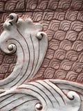 红砖墙壁河和波浪图象 免版税库存图片