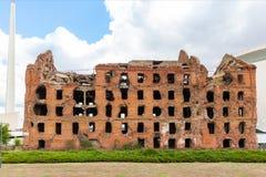 红砖磨房,被破坏在世界大战2期间 免版税图库摄影
