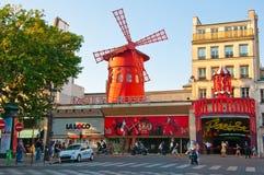 红磨坊在巴黎。 图库摄影