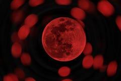 红色万圣夜月亮或血液月亮 免版税库存照片
