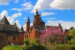 红色中世纪城市, Collonges la胭脂, Corrèze,利姆辛,法国 免版税库存照片