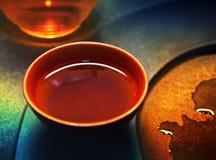 红色中国陶瓷茶杯热的饮料 图库摄影