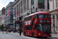 红色公共汽车 图库摄影