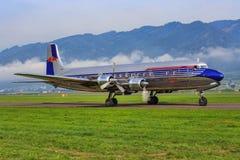 红色公牛道格拉斯DC-6B 免版税库存图片