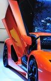 红色剪门小轿车 库存图片