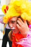 红色动物costime画象的街道女演员 库存照片