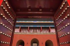 红色北京市门禁止的门 库存照片