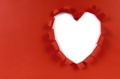 红色华伦泰心脏形状被撕毁的纸,白色背景,拷贝空间 图库摄影