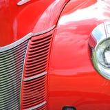 红色古董车极端特写镜头 免版税库存图片