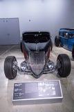 红色和染黑1933年福特跑车 免版税库存照片