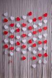 红色和白皮书心脏 库存图片