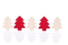 红色和白色圣诞节树 免版税库存照片