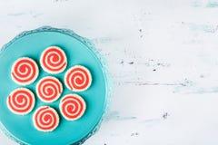 红色和白色轮转焰火曲奇饼 图库摄影