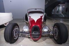 红色和白1927年福特跑车 免版税图库摄影
