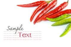 红色和绿色辣椒 库存图片