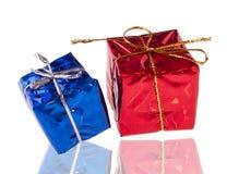 红色和蓝色当前配件箱 免版税库存照片