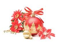 红色和金子圣诞节球泡影 免版税库存照片