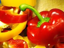 红色和黄色胡椒 库存照片