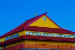 红色和黄色屋顶 库存照片