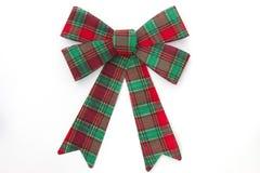 红色和绿色格子花呢披肩假日弓 免版税库存照片