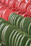 红色和绿色泰国样式寺庙屋顶 库存图片