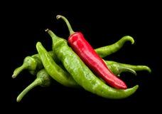 红色和绿色辣椒 库存照片