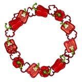 红色响铃Peper花圈 一半胡椒裁减甜辣椒粉和圆环  新鲜的成熟未加工的蔬菜诗歌选 健康素食主义者 免版税库存照片