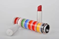红色唇膏和眼影 库存照片
