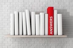红色回答在一个架子的书与另一本空白的书 库存照片