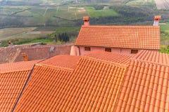 红色围巾屋顶 库存图片