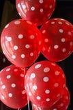 红色圆点气球 免版税图库摄影