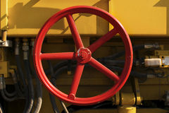 红色圆的阀门 免版税库存图片