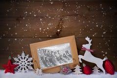 红色圣诞卡、雪花、新年快乐、驯鹿和球 免版税库存照片