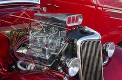 1936红色在一个经典车展的福特 图库摄影